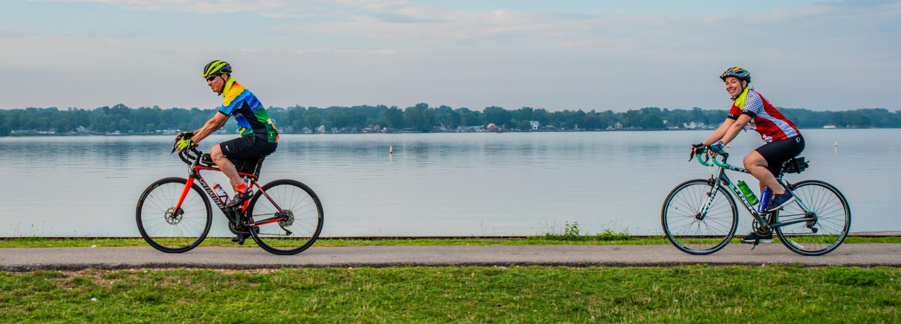 2 cyclists